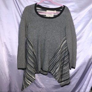 Angel of the North Black White Sweater Top